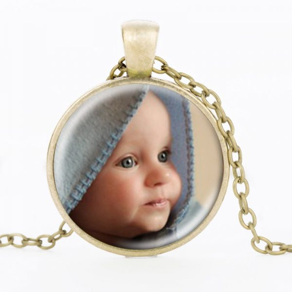 ZBOZWEI-Personalized-Photo-Pendants-Custom-Necklace-Photo-of-Baby-Child-Mom-Dad-Grandparent-Loved-One-Gift-2.jpg
